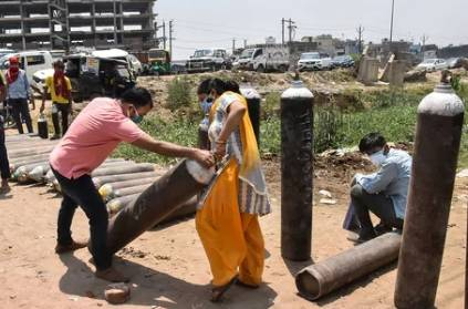 cheating a woman by sell fire extinguisher oxygen cylinder.