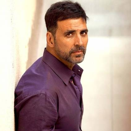 'Do NOT Try This On Your Own,' Akshay Kumar Shares a picture of hanging off a helicopter for Sooryavanshi